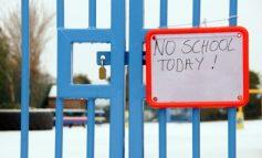 Școlile și grădinițele vor fi închise luni. Universitățile își continuă sesiunea. Circulăm gratuit cu Transurb