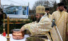 Înalt Prea Sfințitul Casian e foc și pară pe primarul Marius Stan