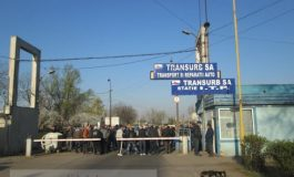 Continuă greva șoferilor de la Transurb. Protestul se mută în instanță