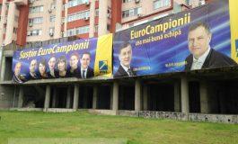 Marius Stan, stăpînul afișelor, clamează vremea răzbunării electorale