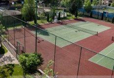 Patronul de la Viva Club se joacă de-a Roland Garros pe banii gălățenilor