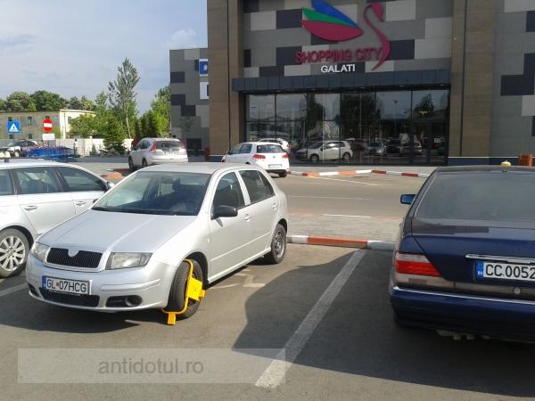 Mare atenție unde vă lăsați mașina cînd mergeți la Shopping City Galați (foto)