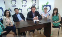 Înconjurat de cadîne, Cristache de la PMP a luat la mișto PNL, PDL și PSD