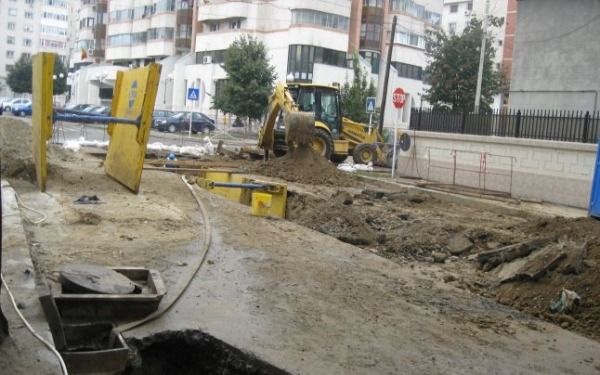 În curînd, șoferii din Galați vor mai putea circula doar pe podul peste Dunăre