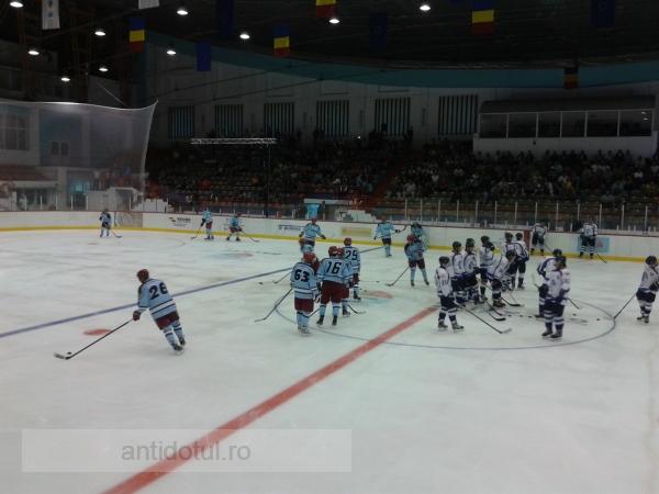 Cum au ajuns niște gloabe din Finlanda să patineze în Galați