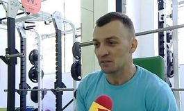 Boldea se antrenează să cîștige titlul de Mister Pușcărie (video)