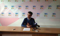 Stan se piaptănă și Ciumacenco ține conferințe despre Apaterm