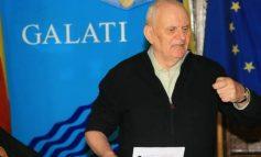 Nu-i o glumă. Pesedistul Dumitru Nicolae îl votează pe liberalul Klaus Iohannis
