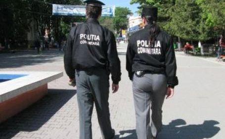Polițiștilor locali li se mai dă un sandviș și o shaorma