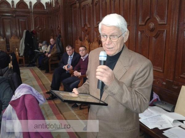Primarul Marius Stan a luat cartonaș roșu de la veteranul Consiliului Local, Nicolae Rainea