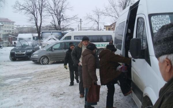 Iarna pe uliță. Autogara din Galați rămîne închisă