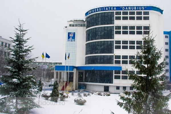 """ARACIS a acordat din nou ÎNCREDERE pentru Facultatea de Drept a Universității """"Danubius"""""""