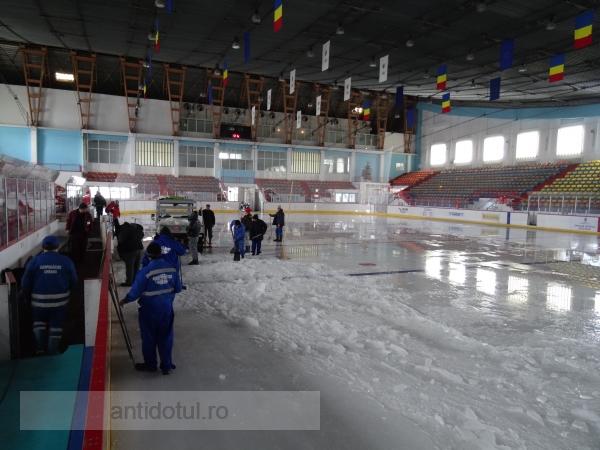 Gheața de la patinoar a fost spartă. Urmează maneleala aia cu meciul lui Halep (foto)
