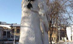 O mînă de ajutor pentru poetul Mihai Eminescu