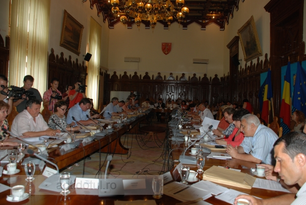 După demiterea consilierilor traseiști, în Consiliul Județului s-ar putea schimba majoritatea