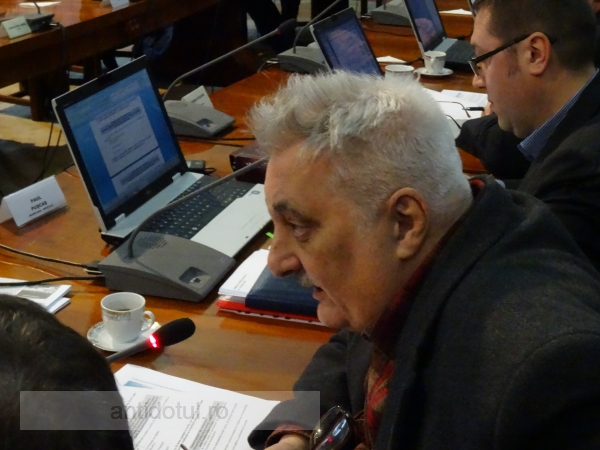 Atacul mizerabil al lui Bacalbașa asupra unui consilier, culmea, tot de la PSD