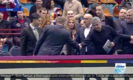 Președintele Iohannis nu a vrut să dea mîna cu primarul-trădător Marius Stan (video)