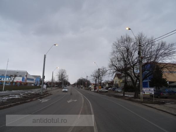 Ce frumos este luminat ziua b-dul G. Coșbuc (foto)