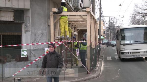 Ni s-a promis un tunel mare pe sub Dunăre dar ne-am ales cu unul mic, pe trotuar!