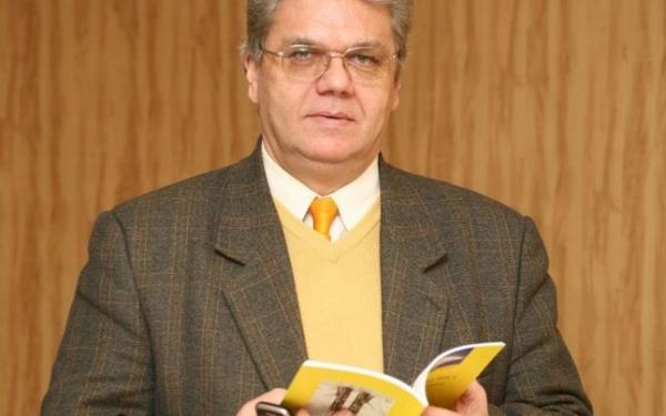 Prof. univ. dr. Constantin Frosin, laureat la Oxford al titlului de cercetătorul anului, categoria Științe Umaniste