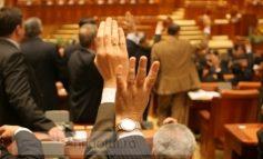 Ce parlamentari gălățeni jinduiesc după o pensie mai mare