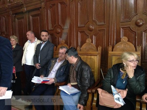"""Marius Stan a """"obținut"""" prelungirea contractului transportatorilor privați cu un an de zile"""