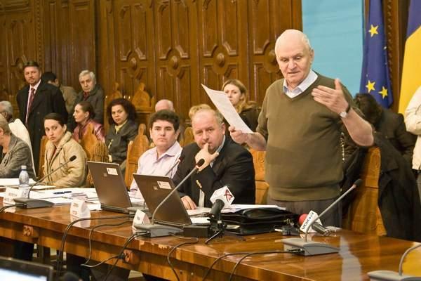 Tribunalul a decis: aleșii locali sunt buni de plată deoarece au cotizat la pușculita clubului de fotbal Oțelul