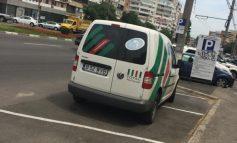 Un țăran din București și-a abandonat căruța într-o parcare publică