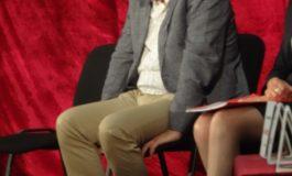Poză cu Dan Nica ghebos și cocîrjat ca un nica-nimeni