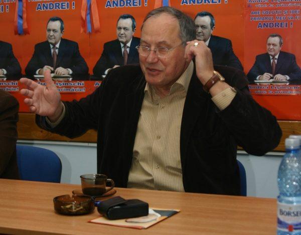 Mircea Toader are o slăbiciune pentru primarii penali. O fi premunitorie?