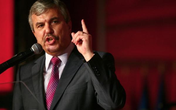 La vremuri noi, tot noi. Dan Nica reales, la congres, lider suprem la PSD Galați