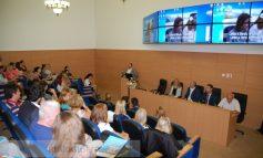 """Stagii de practică inovatoare pentru 180 de studenți de la """"Dunărea de Jos"""""""