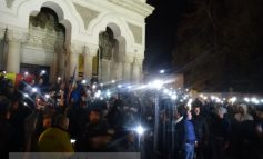Mămăliga a explodat și la Galați! Protestatarii au ajuns pînă la Catedrală (video)