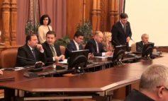 Cum s-a gudurat, în direct, deputatul Ciucă pe lîngă noul ministru al Justiției