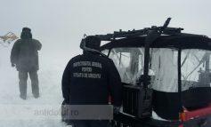 Culmea înzăpezirii: autoșenilata ISU a rămas blocată pe drumul spre Schela