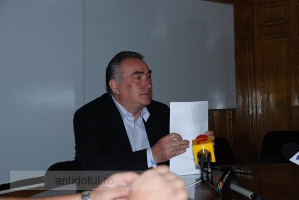 """Iulian Bîrsan, reconfirmat rector al Universității """"Dunărea de Jos"""""""