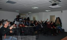 Consilierii locali, somați să părăsească sala de ședințe
