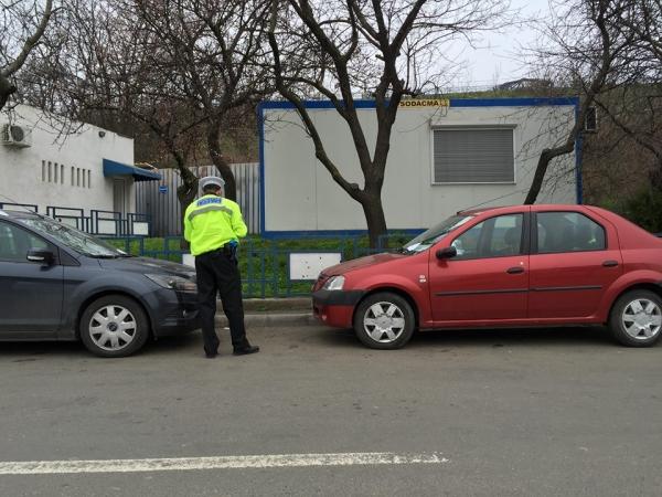 Din cauza unor mici întîrzieri la tunelul de la Dunăre, șoferii gălățenii au probleme cu parcarea în zona falezei