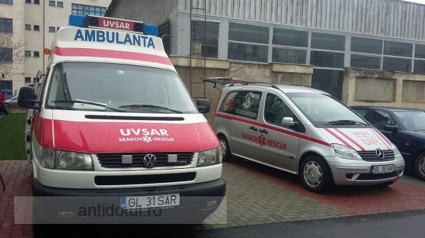 Avem vești de la studenți: ei au un nou punct de prim ajutor dotat cu ambulanță și mașină specială de intervenție