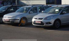 Samsari de mașini blocați cu caracatița în parcările hipermarketurilor (foto)