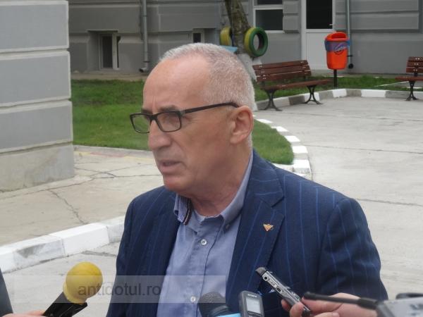De rîsul curcilor: primarul Stan s-a dus la Moscova ca să ceară ajutor european
