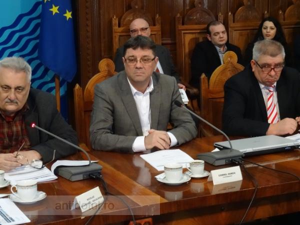În 2009, Dan Nica îl lua consilier la București. Astăzi, același Nica l-a exilat în țigănie
