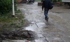 Dintre toate prostituatele politice ale Galațiului, nu s-a găsit nici una care să facă trotuarele (video)