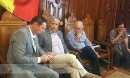 Democrație de Covurlui: proștii votează, Nica și Durbacă triază
