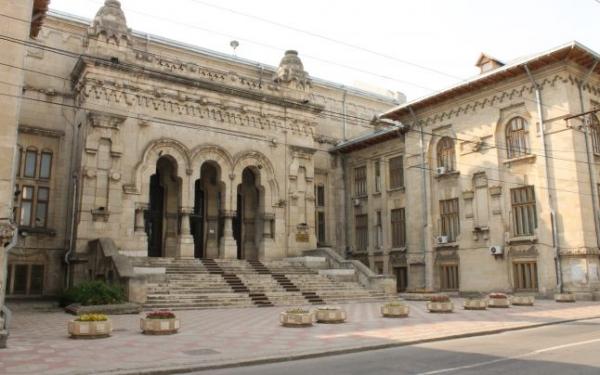 """S-au umflat mușchii de la atâtea activități la Universitatea """"Dunărea de Jos"""""""