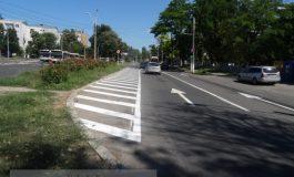 Unda Verde se rezolvă din mers cu o găleată de vopsea aruncată pe asfalt (foto)