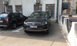 Pucheanu are dileme automobilistice: are în parcare un VW de 60.000 de euro și nu știe ce să facă cu el