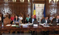 La Consiliul Penal Local se tranșează oameni și se dau corigențe la matematică (video)