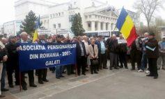 Pensionarii din Galați s-au săturat de proteste și se întorc la școală